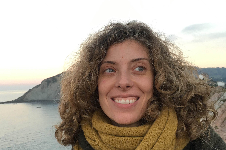 Elena Calvo docente en El Olivo Psicoterapia Humanista